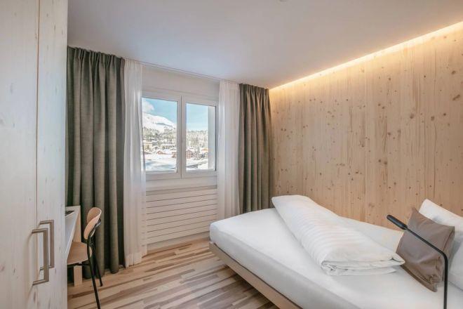 Hotel-Seebuel-Einzelzimmer-Bett-Aussicht