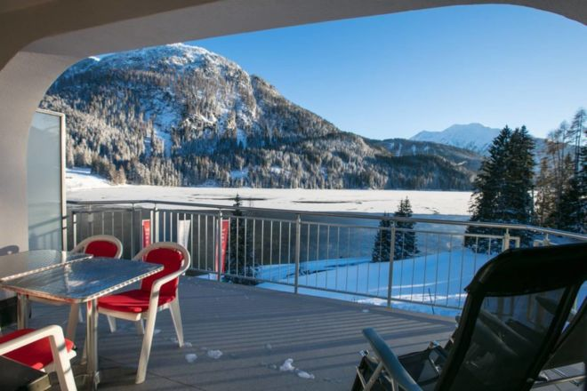 winter-davos-hotel-900x600